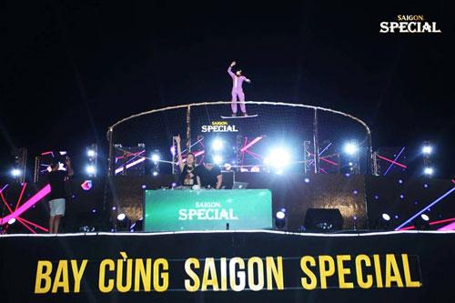 """Sôi động và táo bạo trong không khí của """"Bay cùng Saigon Special"""" - 6"""