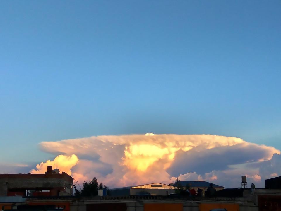 """Mây """"hạt nhân"""" bao trùm khiến người Nga hốt hoảng - 6"""
