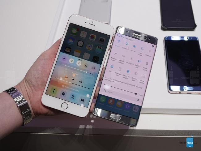 iPhone 6s Plus sở hữu thiết kế kim loại nguyên khối nên tạo cảm giác cứng cáp hơn, trong khi Note 7 tạo cảm giác sexy và thoải mái cho người sử dụng nhờ cạnh cong hai mép giúp vừa vặn hơn khi cầm trên tay.