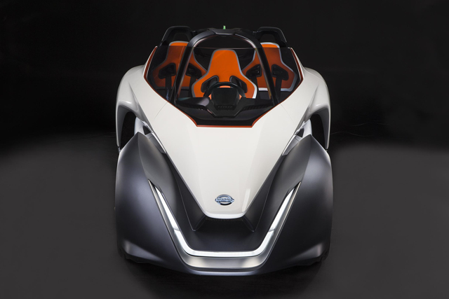 Nissan Bladeglider: Xe thể thao như hình mũi tên - 5
