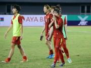 Bóng đá - ĐT nữ Việt Nam: Trọng tài & nỗi ám ảnh người Thái