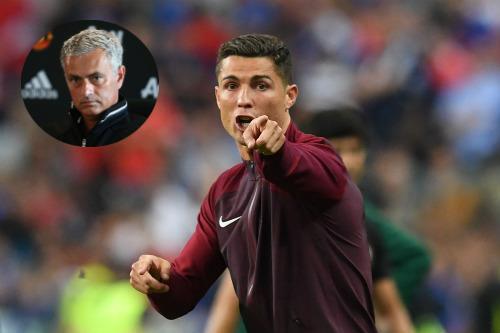 """MU: Mourinho xác nhận siêu tiền vệ sẽ """"khóa sổ"""" chợ hè - 1"""