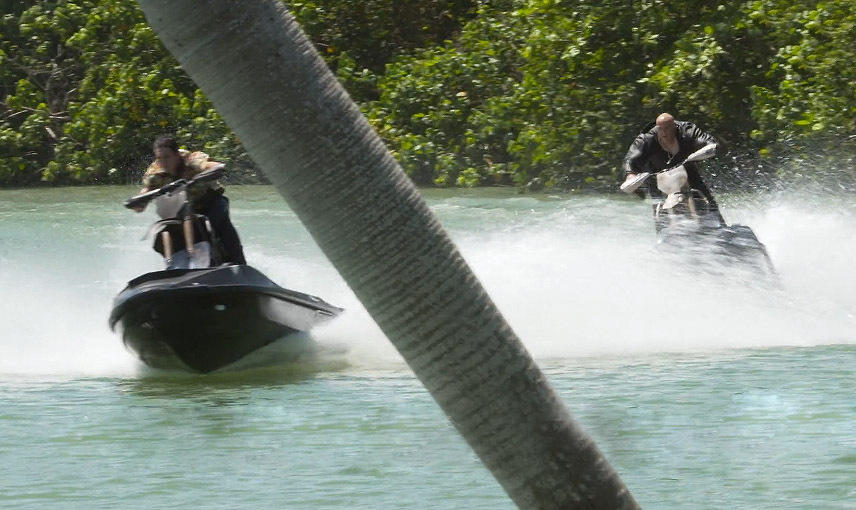 Vin Diesel cưỡi mô-tô lướt sóng truy đuổi Chân Tử Đan - 5