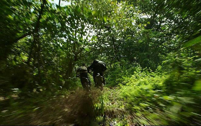 Vin Diesel cưỡi mô-tô lướt sóng truy đuổi Chân Tử Đan - 3