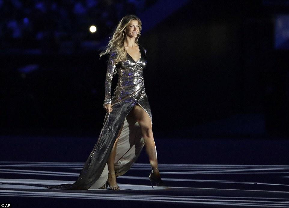 "Gisele Bundchen ""tỏa sáng"" nhất đêm khai mạc Olympic Rio - 1"