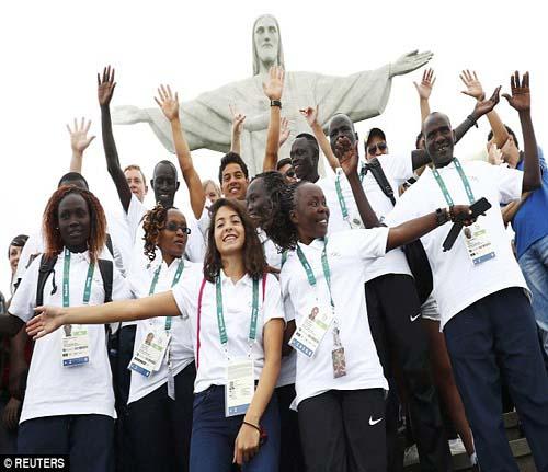Olympic: Cô gái tị nạn liều mình cứu 19 người giữa biển - 2