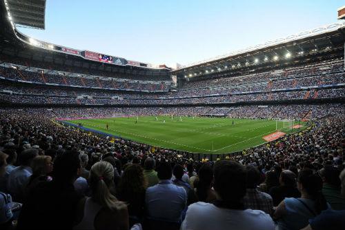 Fan Real Madrid háo hức cho cuộc tranh tài ở Hà Nội - 4