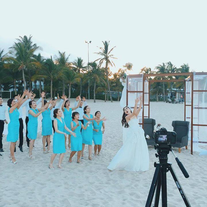 MC Mai Ngọc rạng rỡ chụp ảnh cưới trên biển - 6