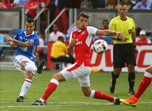 Arsenal: Sanchez đá cắm, cách mạng của Wenger - 3