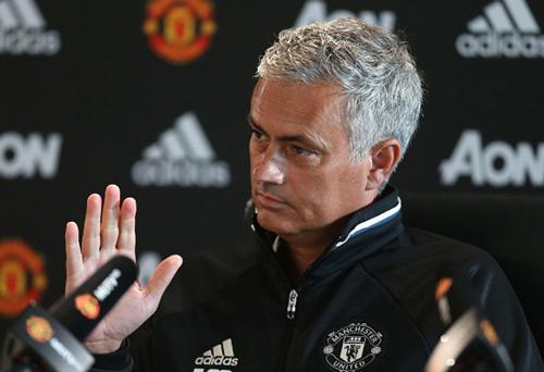 "Mourinho hàm ý chê Bundesliga & Liga ""giỏi ăn trộm"" - 1"