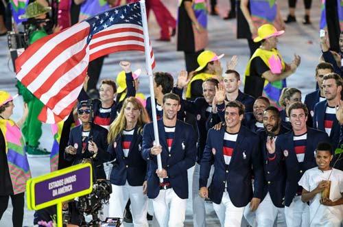 """Olympic: Tan chảy với """"nam thần"""" 6 múi cầm cờ - 4"""