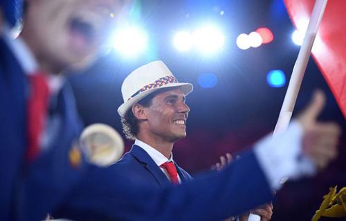 """Olympic: Tan chảy với """"nam thần"""" 6 múi cầm cờ - 2"""