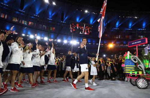 """Olympic: Tan chảy với """"nam thần"""" 6 múi cầm cờ - 3"""