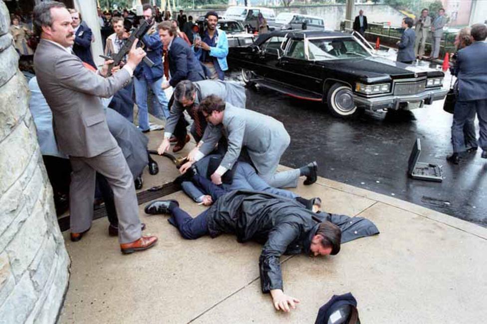 Ảnh hiếm: Toàn cảnh vụ ám sát Tổng thống Mỹ Reagan - 1