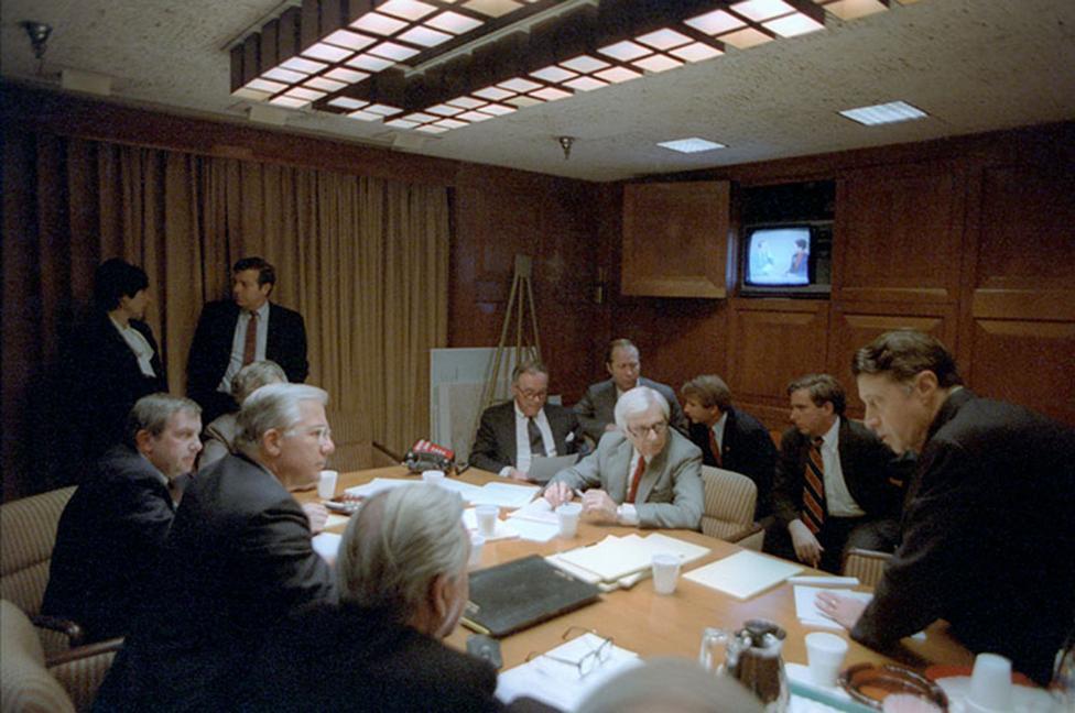 Ảnh hiếm: Toàn cảnh vụ ám sát Tổng thống Mỹ Reagan - 8