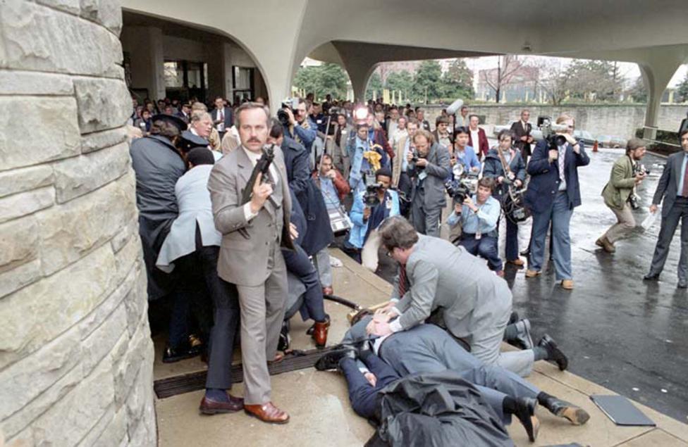 Ảnh hiếm: Toàn cảnh vụ ám sát Tổng thống Mỹ Reagan - 6