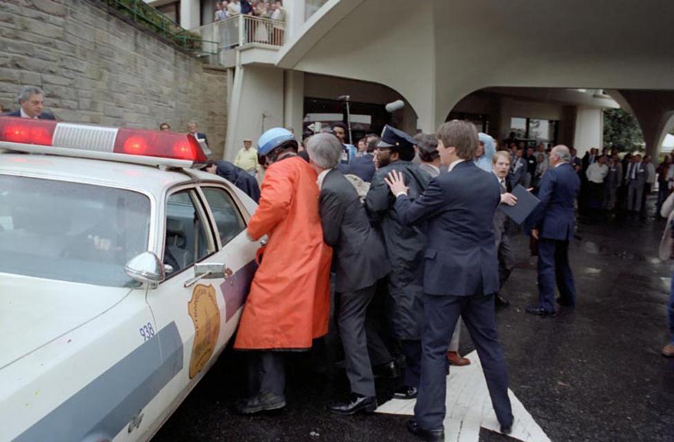 Ảnh hiếm: Toàn cảnh vụ ám sát Tổng thống Mỹ Reagan - 7