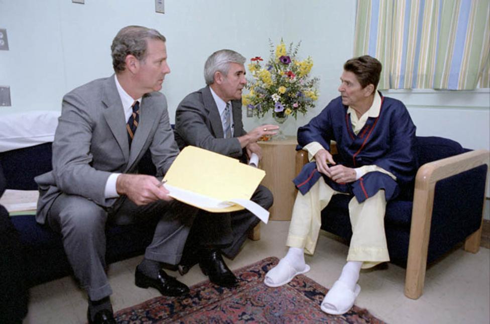 Ảnh hiếm: Toàn cảnh vụ ám sát Tổng thống Mỹ Reagan - 11