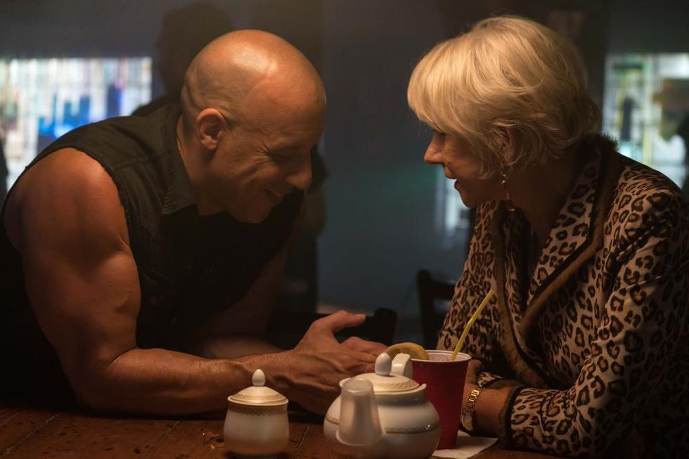"""The Rock khoe cơ bắp tung hoành trong """"Fast & Furious 8"""" - 7"""