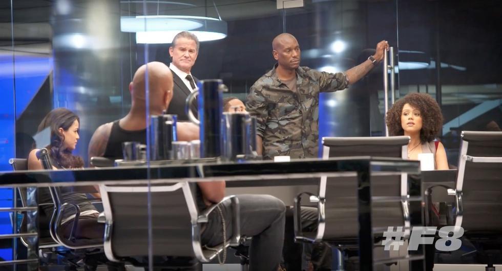 """The Rock khoe cơ bắp tung hoành trong """"Fast & Furious 8"""" - 5"""