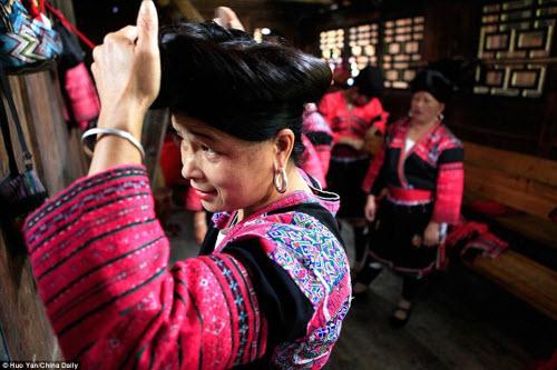 Bên trong ngôi làng phụ nữ chỉ cắt tóc một lần trong đời - 3