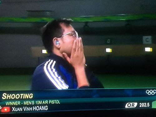 Hoàng Xuân Vinh: Từ kém duyên đến người hùng Olympic - 3
