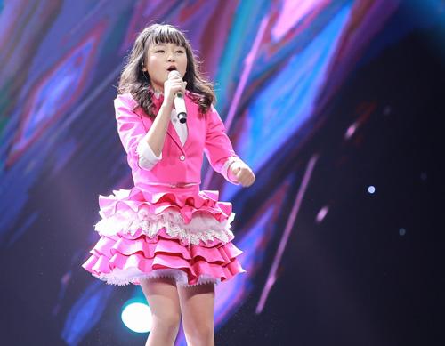 Cô bé hát Quốc ca 12 tuổi gây sốt The Voice Kids - 1