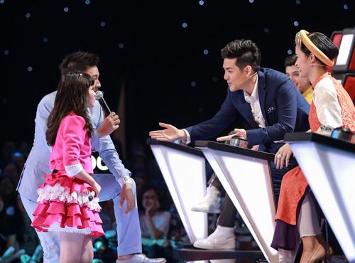 Cô bé hát Quốc ca 12 tuổi gây sốt The Voice Kids - 2