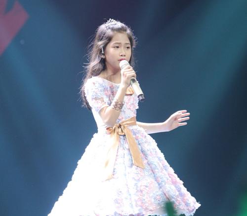 Cô bé hát Quốc ca 12 tuổi gây sốt The Voice Kids - 6