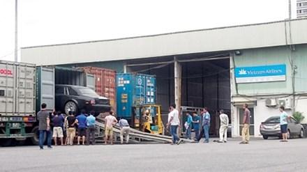 Ninh Bình từ chối 3 xe tiền tỷ được doanh nghiệp tặng - 1
