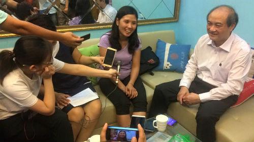 Hoàng Xuân Vinh HCV Olympic: Đẹp trai, giỏi…nịnh vợ - 2