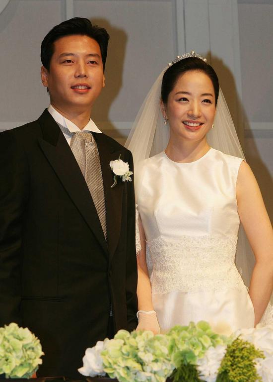 Người đẹp may mắn làm vợ công tử giàu nhất nhì Hàn Quốc - 5