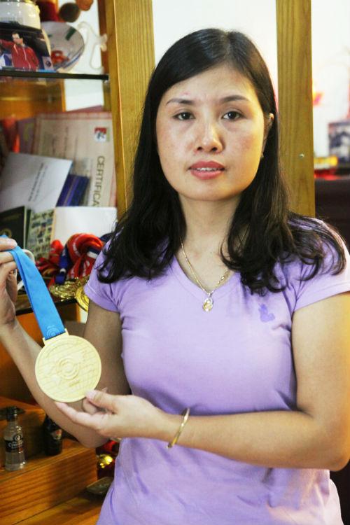 Vợ xạ thủ Hoàng Xuân Vinh nghẹn ngào về giấc mơ giản dị - 1