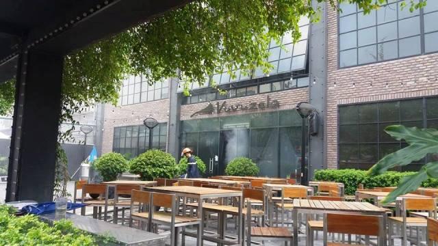 Hà Nội: Cháy lớn ở nhà hàng bia Vuvuzela - 4
