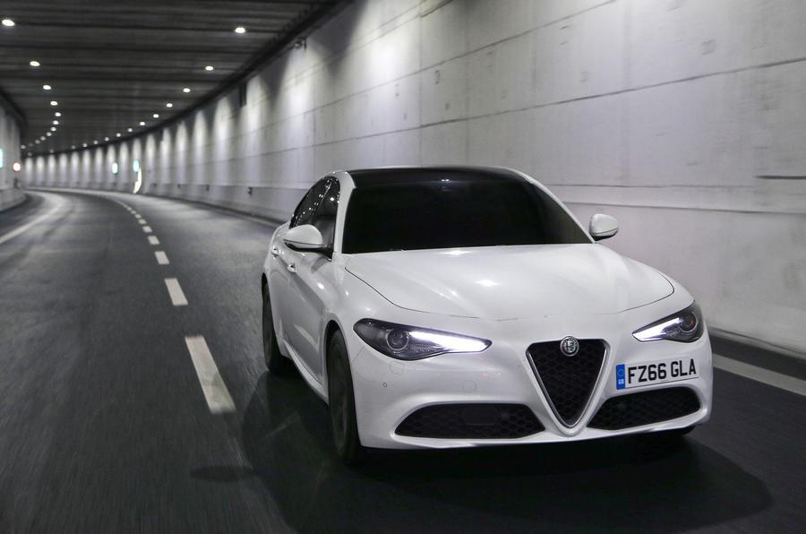 Alfa Romeo Giulia 2017 đã có giá bán - 2