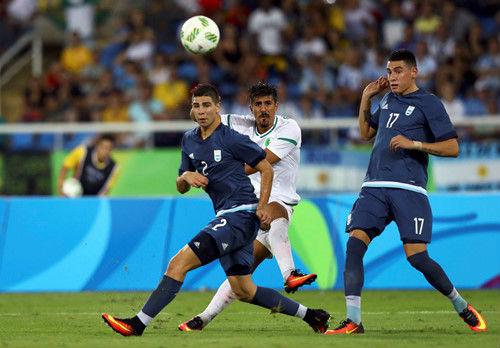 Argentina - Algeria: Điểm nhấn chiếc thẻ đỏ - 1