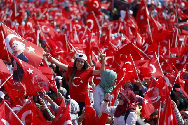 5 triệu người Thổ Nhĩ Kỳ tuần hành ủng hộ chính quyền - 3