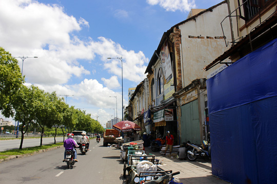 """""""Rụt cổ"""" sống trong nhà cổ ở Sài Gòn - 1"""