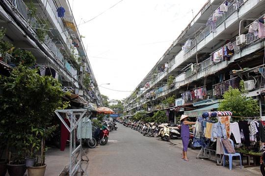 """""""Rụt cổ"""" sống trong nhà cổ ở Sài Gòn - 14"""