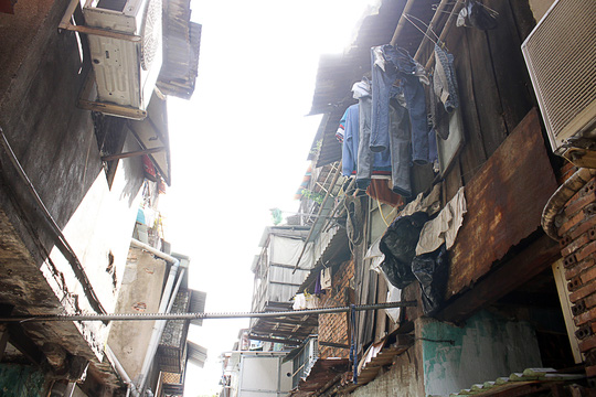 """""""Rụt cổ"""" sống trong nhà cổ ở Sài Gòn - 16"""