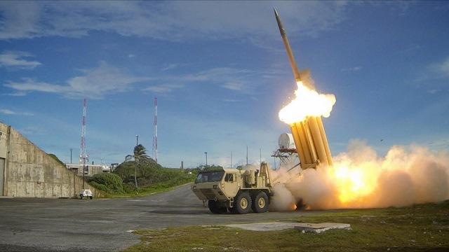 Kí kết xong vụ lắp tên lửa THAAD, Hàn Quốc chỉ trích TQ - 2