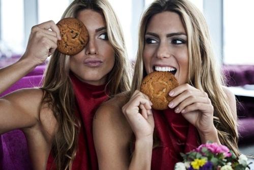 Cặp chị em sinh đôi xinh đẹp, tài năng nhất Brazil - 4