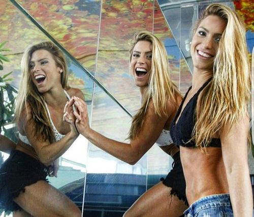 Cặp chị em sinh đôi xinh đẹp, tài năng nhất Brazil - 8