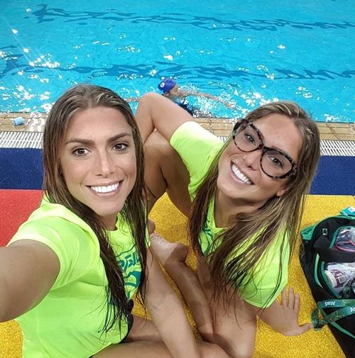 Cặp chị em sinh đôi xinh đẹp, tài năng nhất Brazil - 12