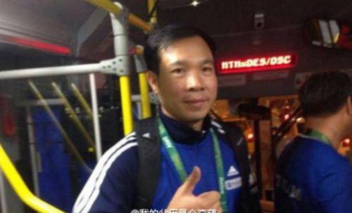 Đi xe buýt, Hoàng Xuân Vinh khiến Trung Quốc thán phục - 2