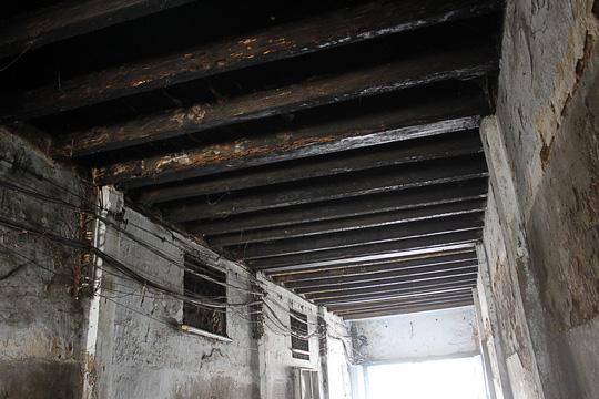 """""""Rụt cổ"""" sống trong nhà cổ ở Sài Gòn - 6"""