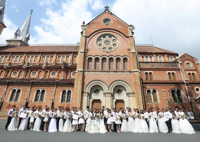 22 cặp đôi khắp cả nước đổ về TP.HCM chụp ảnh cưới - 3