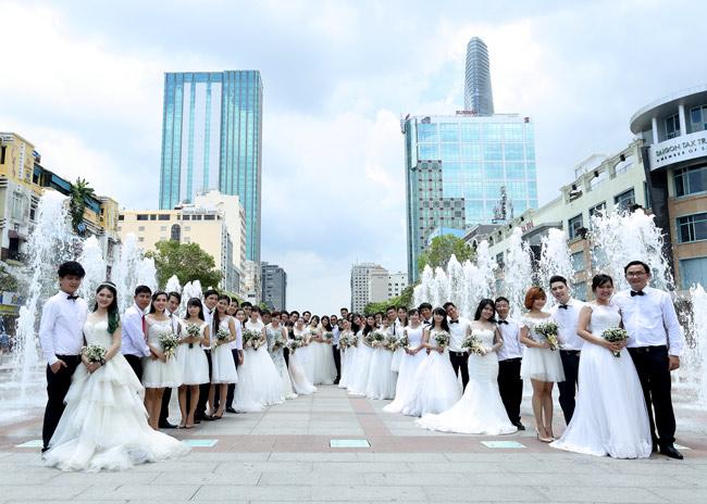 22 cặp đôi khắp cả nước đổ về TP.HCM chụp ảnh cưới - 11