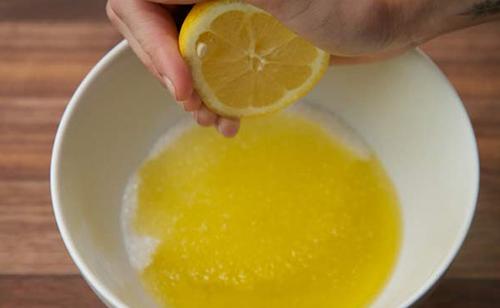 Cách làm kem tẩy tế bào chết đơn giản từ chanh với muối - 3