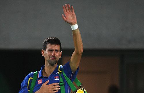 Kẹt thang máy 40 phút, Potro vẫn thắng sốc Djokovic - 2